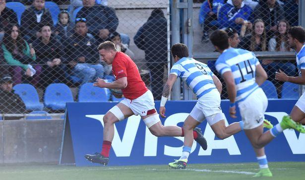 James Davies Argentina